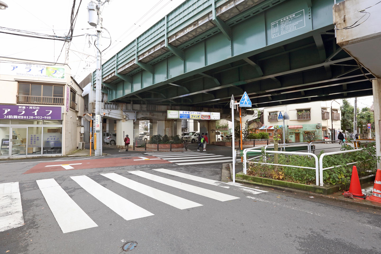 道案内3(T字路を右折)