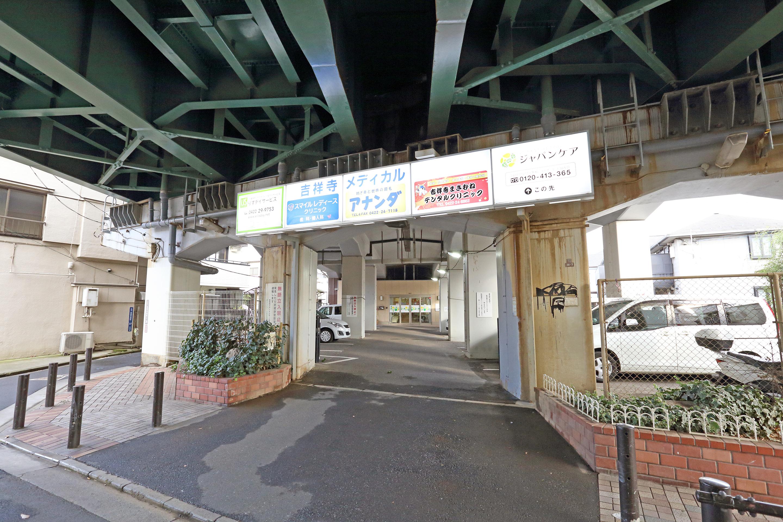道案内4(駐車場)